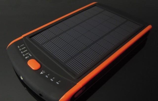 Το φωτοβολταϊκό πάνελ 10 Watt/p